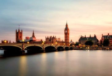 Bath to London taxi transfer